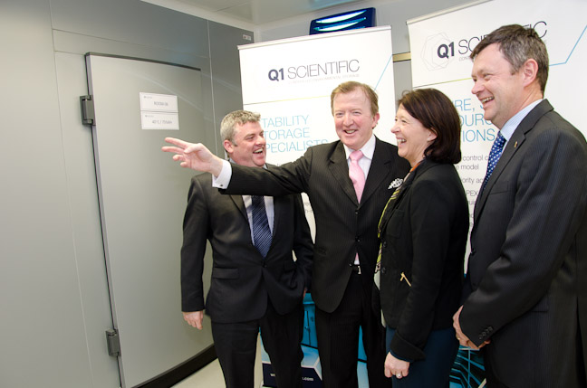 https://www.q1scientific.ie/wp-content/uploads/2013/04/Opening-3-with-Minister.jpg